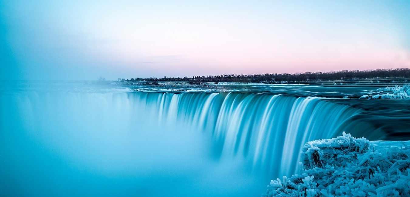 カナダ 滝